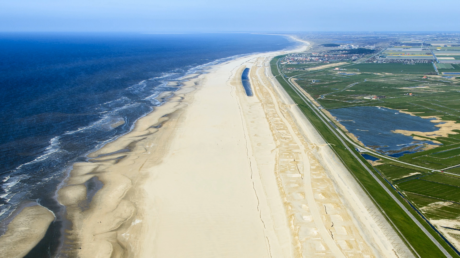 Image for video: Hondsbossche and Pettemer sea defence